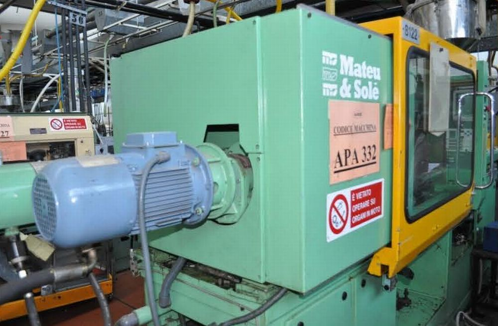 INJECTION MOULDING MACHINE – NO.15.0114