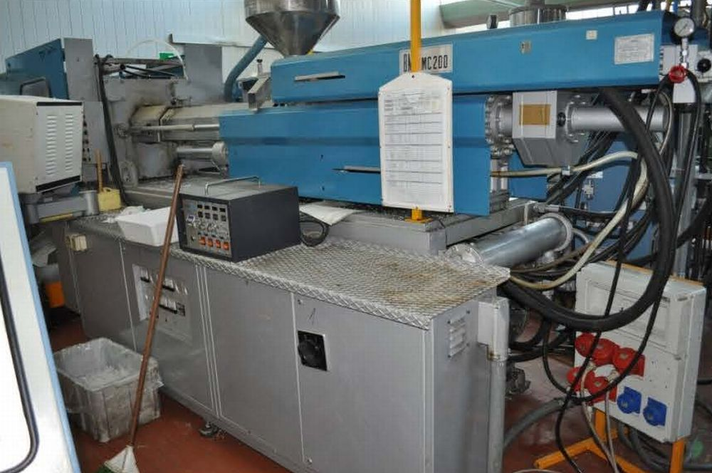INJECTION MOULDING MACHINE – NO.15.0145