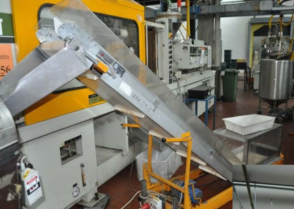 INJECTION MOULDING MACHINE – NO.15.0161