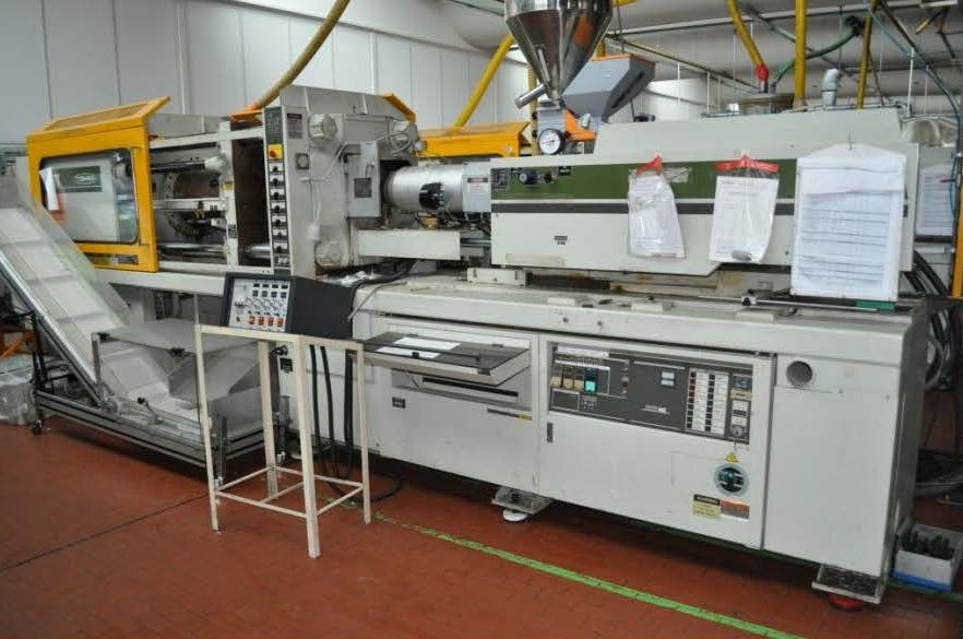 INJECTION MOULDING MACHINE – NO.15.0167